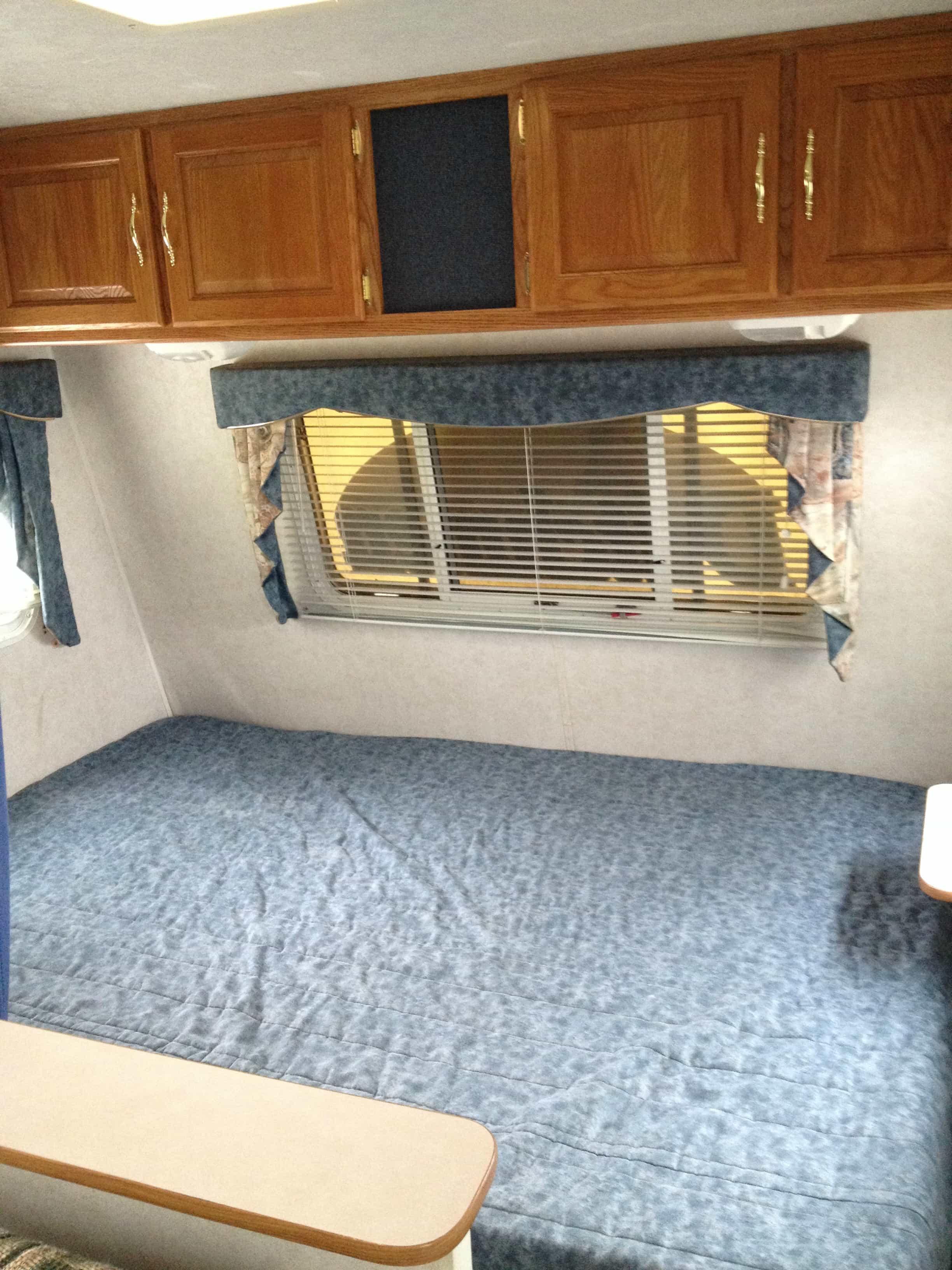 pimp my camper yo tasty ever after. Black Bedroom Furniture Sets. Home Design Ideas