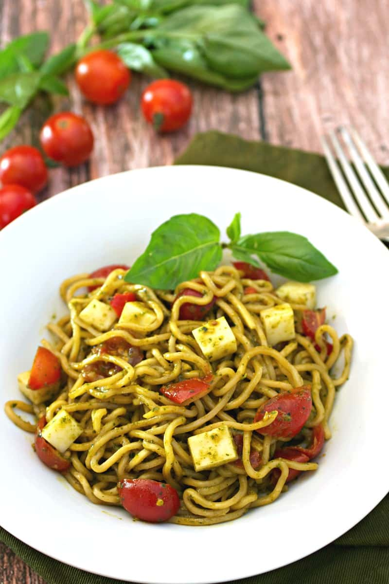Spicy Pesto Margherita Yakisoba Noodle Salad