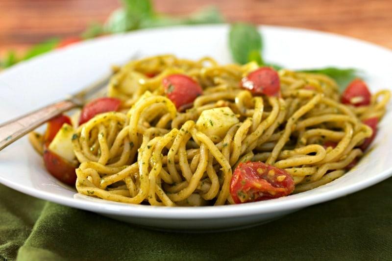 Spicy Pesto Margherita Yakisoba Noodle Salad