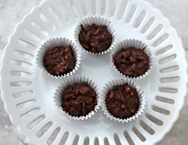 Crispy Tahini Chocolate Cups