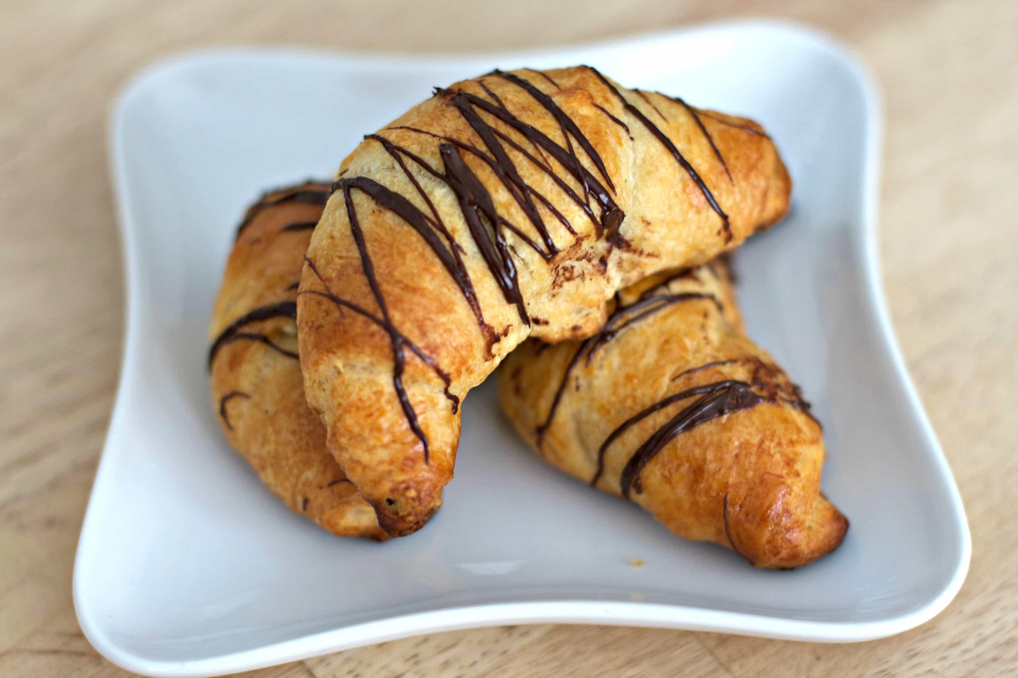 chocolatealmondcresentplate3