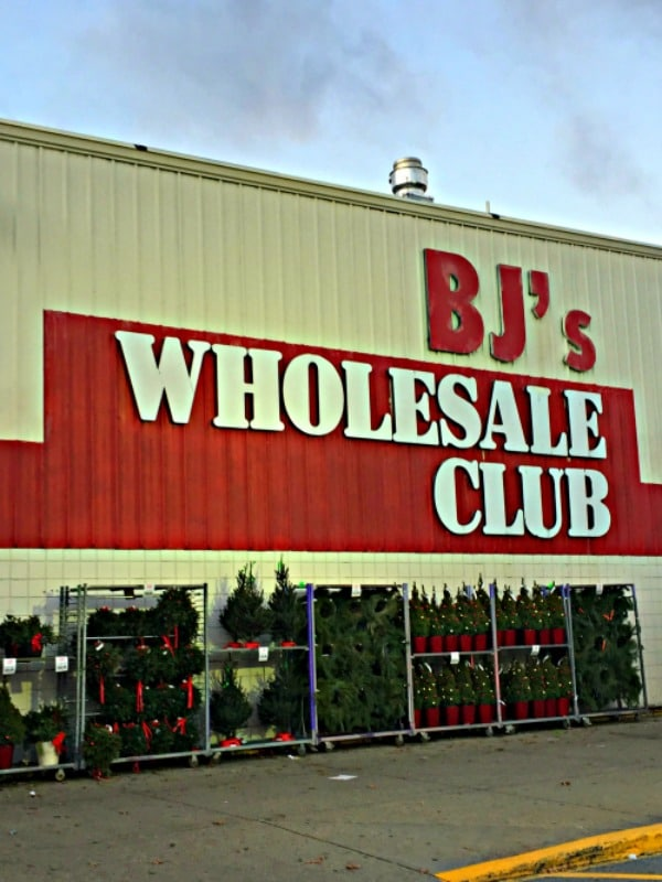 Outside photo of BJ's Wholesale Club