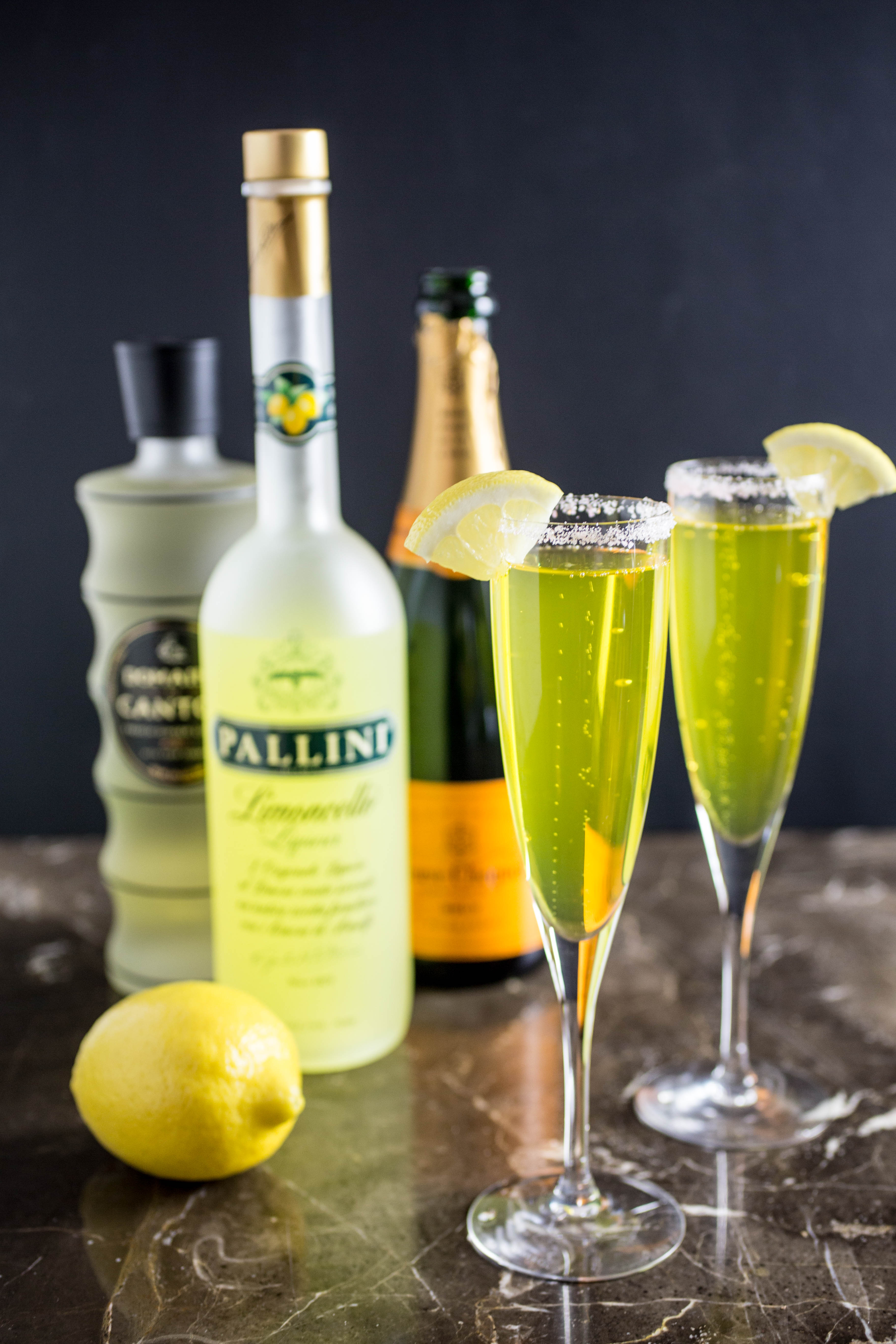 Refreshing limoncello champagne cocktail recipe with for Cocktail limoncello